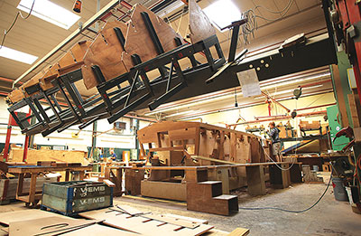 Boesch structure aids in hull construction