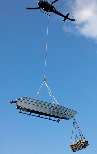 Airlifting boat sections
