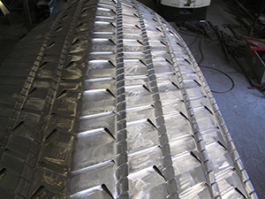 Hull surface with numerous mini-steps