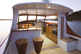 Southstar37 helm and deckhouse